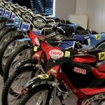 Spidveja skola tiek pie desmit jauniem motocikliem Jawa!