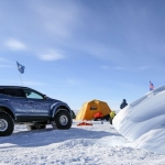 Hyundai Santa Fe – vienīgais vieglais pasažieru auto, kas šķērsojis Antarktīdu!