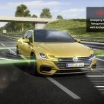 Volkswagen Arteon spēj glābt autovadītāju, ja braukšanas laikā zaudēta samaņa