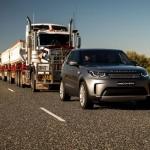 Land Rover Discovery 16 kilometrus velk 110 tonnas smagu septiņu piekabju sastāvu! (Video)