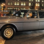 Lady Gaga prot novērtēt veco, labo Mercedes –Benz W123