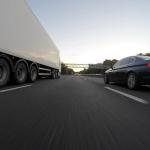 Puse Lielbritānijas iedzīvotāju baidās tikt nepamanīti no kravas auto vadītāju puses