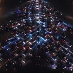 Ukraina izveidota pasaulē lielākā svētku egle no automobiļiem! Interesants video.