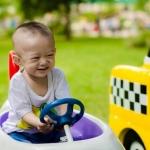 Desmitgadīgi bērneļi sadauza vairākus desmitus pilnīgi jaunus automobiļus