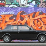 Zvaigžņu auto sadaļā : Stāsts par īpašo Volvo 262C Bertone, kas savulaik piederējis slavenajam mūziķim Deividam Bovijam!