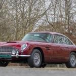 Zvaigžņu riteņotie draugi : Slavenā mūziķa Roberta Plānta Aston Martin DB5!