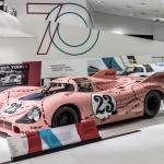Porsche sporta auto 70 gadu svinīgā atklāšana leģendārā zīmola muzejā