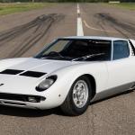 Stāsts par estrādes superzvaigznei – seram Rodam Stjuartam, reiz piederējušo Lamborghini Miura!
