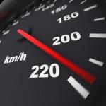 Zinātniski pierādīts – jo augstāks atļautais braukšanas ātrums, jo vairāk bojāgājušo! Informācija steidzīgajiem…