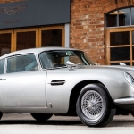 Vienu no Džeimsa Bonda Aston Martin pārdeva par divu Bugatti Chiron cenu!