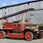 Seno laiku naktsmiera sargātājs, ugunsdzēsēju un glābēju uzticamais palīgs –Merryweather automobilis!