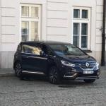 Francijas prezidenta automobilis Polijas vizītes laikā ņēmis un salūzis!