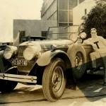 Mēmā kino aktieris Herolds Loids un viņa Cunningham limuzīns!
