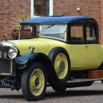 Pieneņu dzeltenais auto no Lielbritānijas – Aster!