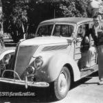 Slavenā amerikāņu aktiera Klārka Geibla koka universāls Ford V8!