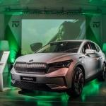 Trīs nedēļas pēc Pasaules pirmizrādes Prāgā jaunais elektriskais ŠKODA ENYAQ iV ierodas Latvijā