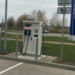 Elektrisko automobiļu īpašnieku zināšanai – uzlādes iespējas palielinās ar katru brīdi!