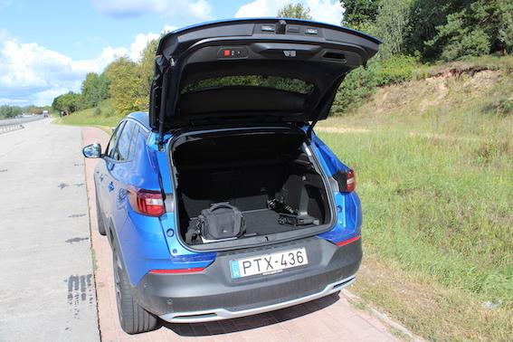 Opel Grandland X - pirmie iespaidi par francisko vācieti JEB krosovers nosvērtam cilvēkam!