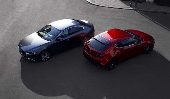 Losandželosas autoizstādē notiek pilnīgi jaunā Mazda3 modeļa pasaules pirmizrāde