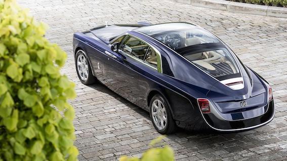 """Pats dārgākais sērijveida automobilis - Rolls Royce """"šķībā aste""""! Tikai 12 miljoni eiro!"""