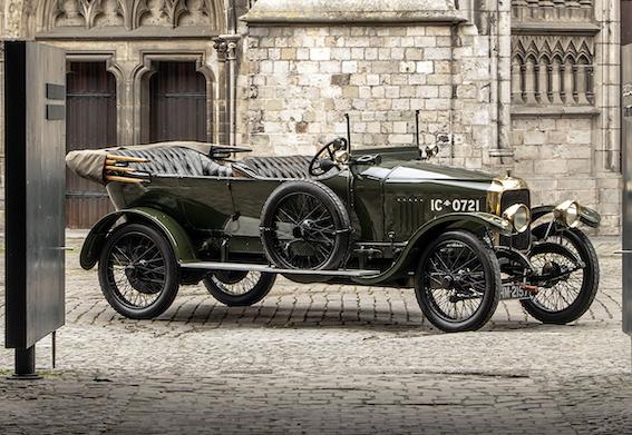 Vauxhall D-Type. Britu salās dzimis Opel markas automobilis, kurš toreiz kā liela greznība nonāca tikai augstākā ranga britu virsniekiem.