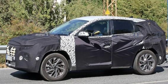 """Jaunais Hyundai Tucson - auto, kas """"padarīs traku jebkuru""""! Vismaz pēc galvenā dizainera domām."""