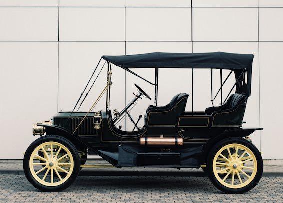 Motormuzejā būs skatāms pats vecākais automobilis Baltijā! Izstādē GARĀŽA!