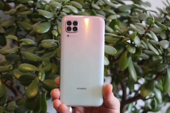 Iepazīstamies ar jauno Huawei P40 lite - dēļ tādas kameras var par fotogrāfu kļūt!