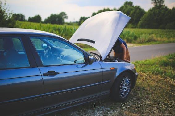 Kam cilvēki zvana pēc satiksmes negadījuma? Trešdaļa izvēlas dzīvesbiedrus!
