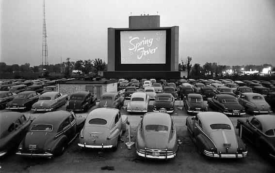 Atdzimst kino skatīšanās no automobiļa - šoreiz kinomīļi gaidīti Valmierā!