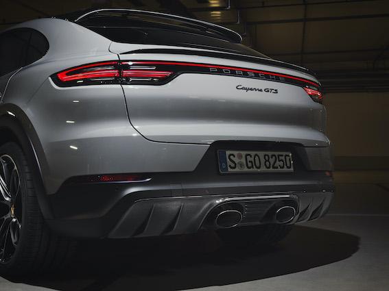 Tas brīdis, kad piedzimst dzīvesprieks - Porsche atgriež apritē V8 dzinējus!