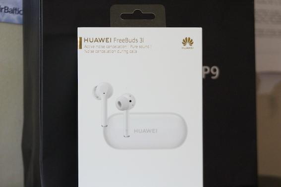 Austiņas ausīs un dzīve šķiet skaista! Huawei FreeBuds 3i bezvadu austiņu apskats