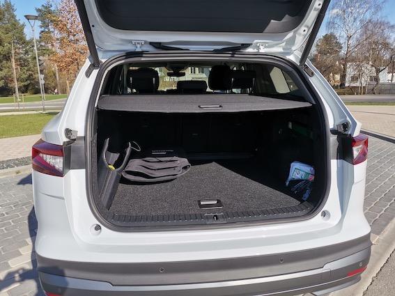 Škoda Enyaq iV - elektrisks auto, kuram tā vien prasās jestrs dīzeļa vai benzīna motors! Kāpēc?