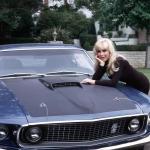 ''Jums kauns sēsties manā Mustangā?'' Amerikāņu aktrises Barbaras Edenas Ford Mustang!
