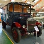 Lielbritānijā būvēts kravas auto Dennis, kas piemērots klasisko piparmētru konfekšu pārvadāšanai!