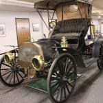 Laiks notraukt putekļus no ābeces un doties braucienā uz skolu ar 1908. gada ABC Runabout automobili!